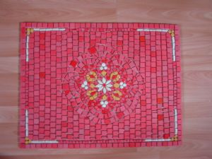 TAPIS DE SOL ROUGE REALISATION MADE IN MOSAIC