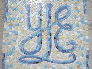 decouvrez des cr ations modeles mosaiques de made in mosaic mosaique lettre pour l 39 int rieur. Black Bedroom Furniture Sets. Home Design Ideas