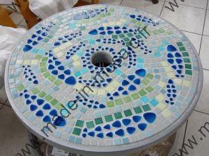 Table galet poisson mosaique modele image en mosaiques table poisson chez made in mosaic - Modele massief avec galets ...