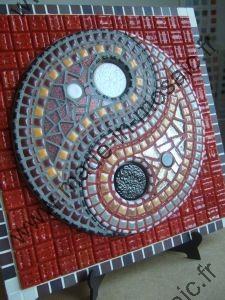 Tableau yin yang mosaique modele image en mosaiques abstraites de chez made in mosaic - Modele de creation en mosaique ...
