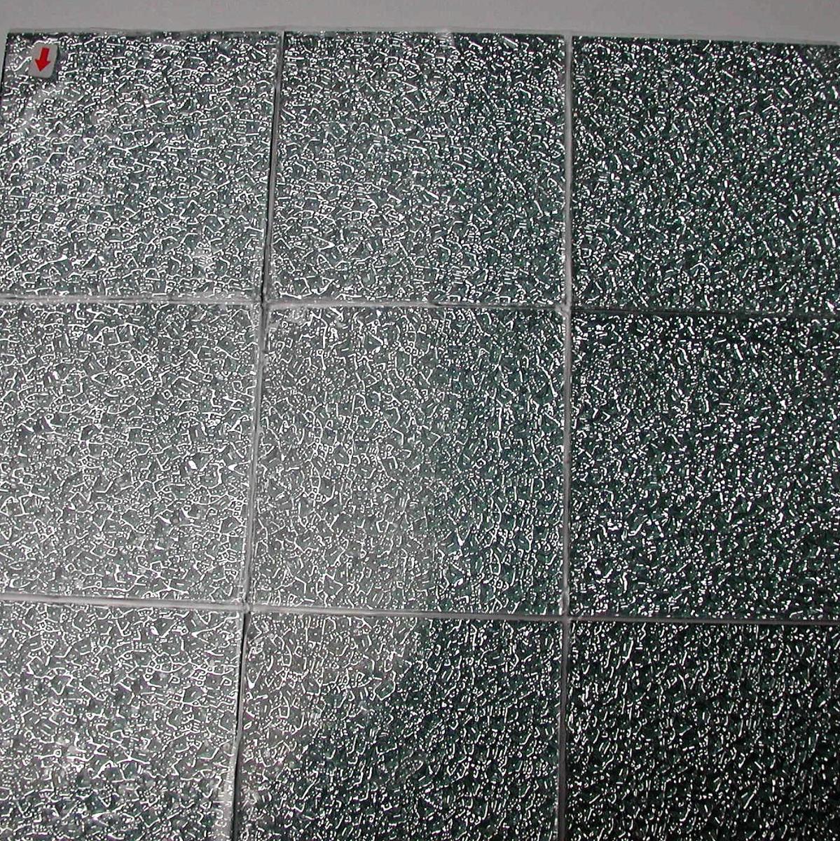 Recouvrir Carrelage En Relief gris argent mosaïque silver gaufré carré 10 cm par 10 cm mosaïque émaux  vetrocristal par plaque