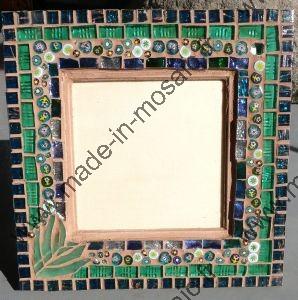 cadre vitre mosa que avec millifiori et miroir a d couvrir chez made in mosaic. Black Bedroom Furniture Sets. Home Design Ideas