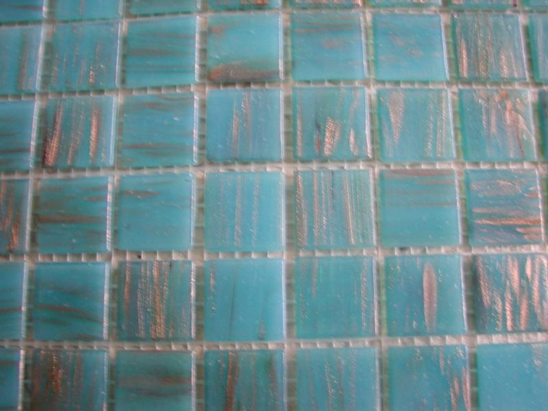 Mosaique p te de verre avec gemm bleu turquoise clair for Bleu turquoise clair