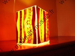Lampe mosaique modele millifiori en mosaiques vitrail et for Miroir vitrail modeles