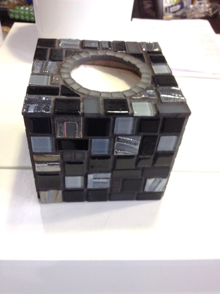 bo te mouchoir cube carr boite mouchoir cubique d corer ou faire une mosa que. Black Bedroom Furniture Sets. Home Design Ideas