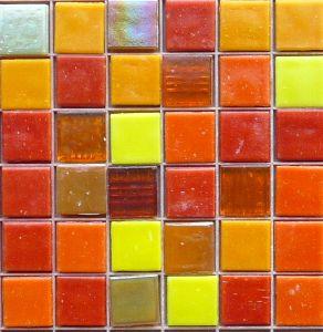 mosaique pates de verre mosaique de p te de verre assortiment tons jaune orange rouge 2 cm en vrac. Black Bedroom Furniture Sets. Home Design Ideas