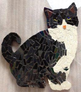 tableau animaux mosaique modele image en mosaiques chat joueur de chez made in mosaic. Black Bedroom Furniture Sets. Home Design Ideas
