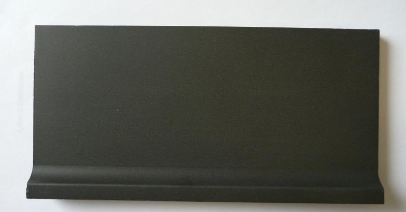 Carrelage plinthe gorge noir b ne mat achat de for Plinthe carrelage noir brillant 10 x 20