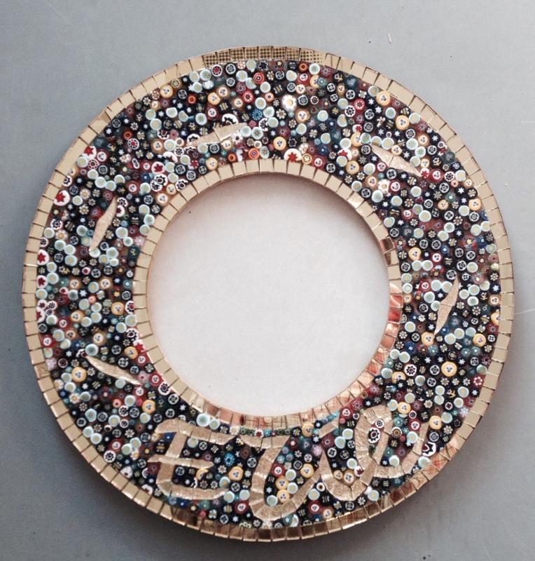 miroir en mosa que de made in mosaic miroir rond et millifiori en mosa que. Black Bedroom Furniture Sets. Home Design Ideas
