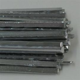 Vitraux des outils et fournitures-cuivre patine