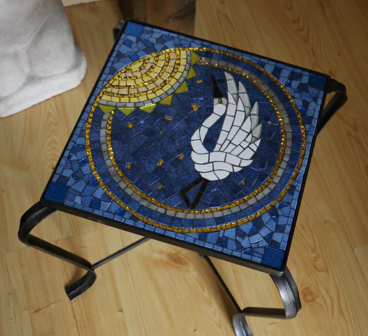 mosaaique bleu talbe mme lorette modele image en mosaiques g om trique de chez made in mosaic. Black Bedroom Furniture Sets. Home Design Ideas
