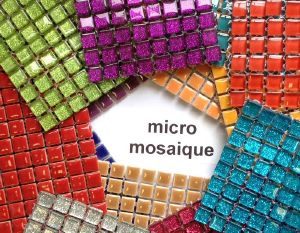 Micro mosaique brillant à la plaque