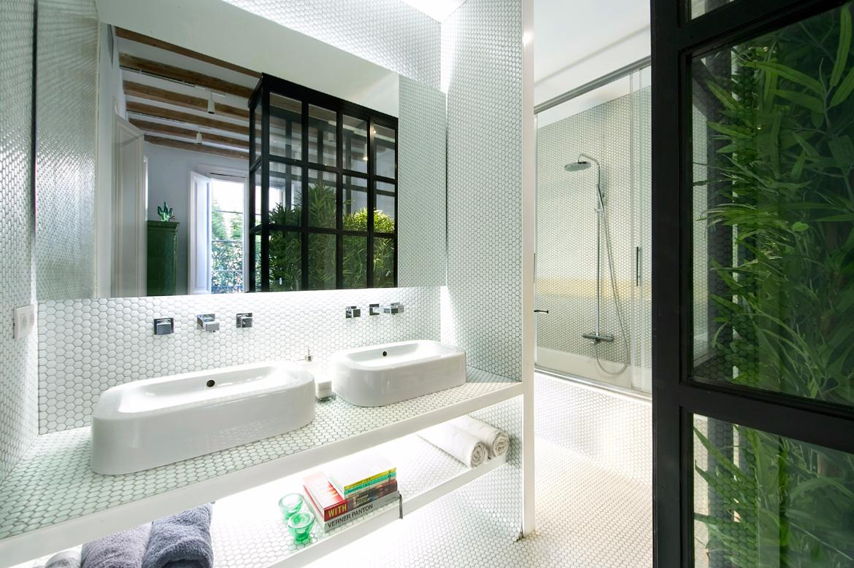 Mosa que p te de verre rond pastille blanc brillant plaque - Mosaique salle de bain blanche ...