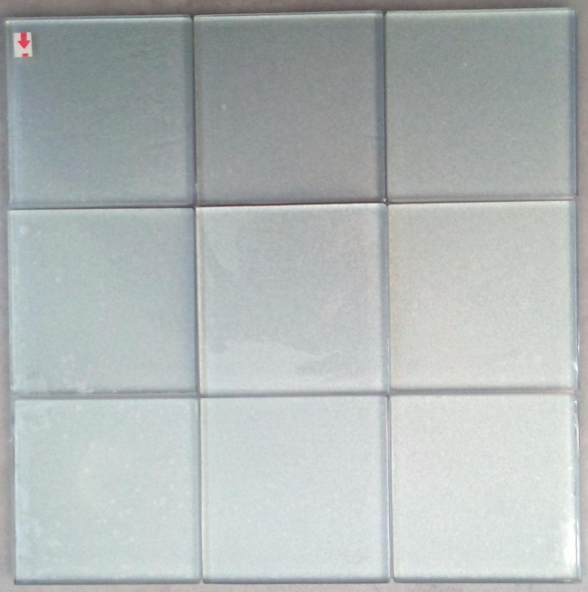 Mosaique argent salle de bain interesting mosaque for Carrelage mural argente