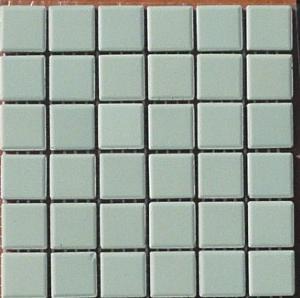 Vert pastel céladon amande pavette 2.4 par 2.4 cm mosaïque mat grès antique  paray par plaque
