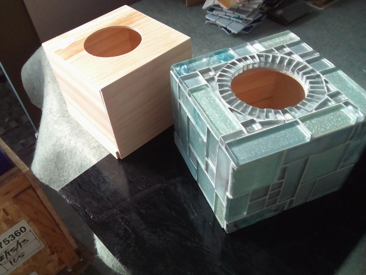 Bo te mouchoir cube carr boite mouchoir cubique - Comment decorer une boite a mouchoir en bois ...